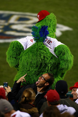 PHILADELPHIA - NOVEMBER 01:  The Philly Phanatic, mascot of the Philadelphia Phillies performs against the New York Yankees in Game Four of the 2009 MLB World Series at Citizens Bank Park on November 1, 2009 in Philadelphia, Pennsylvania.  (Photo by Chris