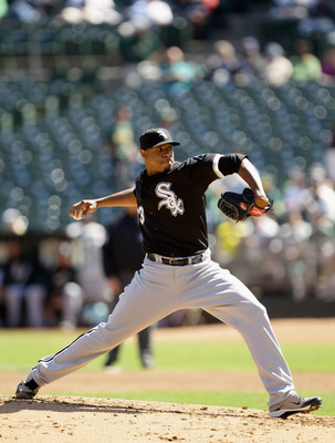 OAKLAND, CA - SEPTEMBER 22:  Edwin Jackson #33 of the Chicago White Sox pitches against the Oakland Athletics at the Oakland-Alameda County Coliseum on September 22, 2010 in Oakland, California.  (Photo by Ezra Shaw/Getty Images)