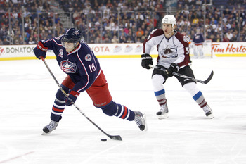 COLUMBUS,OH - NOVEMBER 12:  Derick Brassard #16 of the Columbus Blue Jackets shoots the puck against the Colorado Avalanche on November 12, 2010 at Nationwide Arena in Columbus, Ohio.  (Photo by John Grieshop/Getty Images)