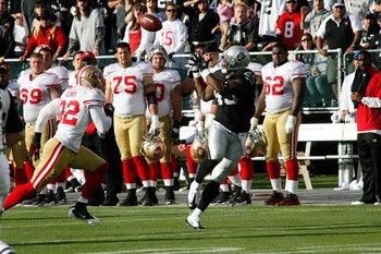 082810_raidersvs49ers2--nfl_medium_540_360_display_image