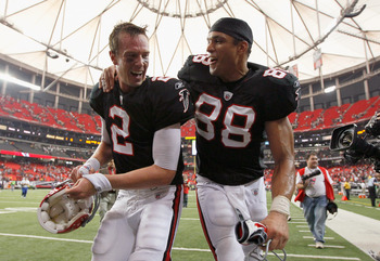 ATLANTA - OCTOBER 03:  Quarterback Matt Ryan #2 and Tony Gonzalez #88 of the Atlanta Falcons celebrate after their 16-14 win over the San Francisco 49ers at Georgia Dome on October 3, 2010 in Georgia.  (Photo by Kevin C. Cox/Getty Images)