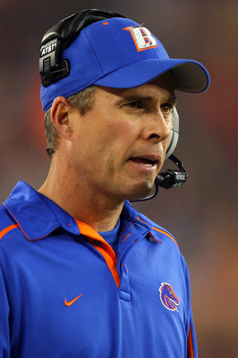 GLENDALE, AZ - JANUARY 04:  Head coach Chris Petersen of the Boise State Broncos looks on in the first half against the TCU Horned Frogs during the Tostitos Fiesta Bowl at the Universtity of Phoenix Stadium on January 4, 2010 in Glendale, Arizona.  (Photo