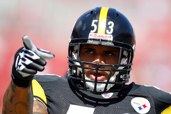TAMPA, FL - SEPTEMBER 26:  Rookie center Maurkice Pouncey #53 of the Pittsburgh Steelers points during the game against the Tampa Bay Buccaneers at Raymond James Stadium on September 26, 2010 in Tampa, Florida.  (Photo by J. Meric/Getty Images)