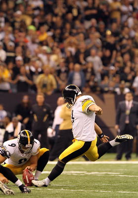 NEW ORLEANS, LA - OCTOBER 31: Jeff Reed #3 of the Pittsburgh Steelers attempts a field goal during the game against the New Orleans Saints at the Louisiana Superdome on October 31, 2010 in New Orleans, Louisiana. (Photo by Matthew Sharpe/Getty Images)