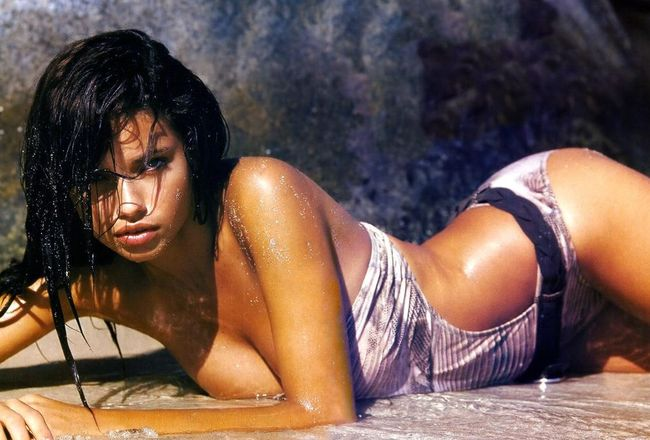 Adriana-lima-73_crop_650x440