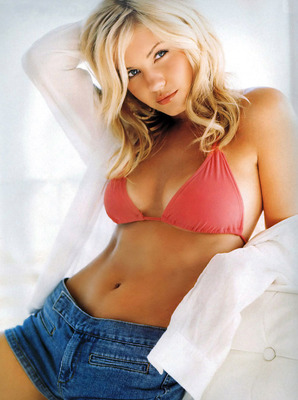 Elisha_cuthbert_display_image