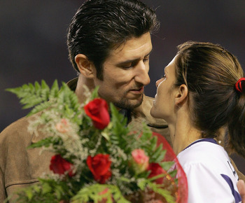 Nomar Garcia-Parra and wife Mia Hamm