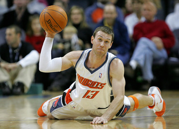 CHARLOTTE, NC - DECEMBER 21:  Matt Carroll #13 of the Charlotte Bobcats throws a ball from the floor against the New York Knicks during their game at Bobcats Arena December 21, 2007 in Charlotte, North Carolina.  (Photo by Streeter Lecka/Getty Images)
