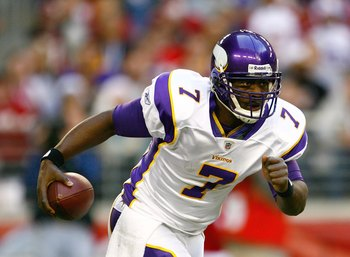 GLENDALE, AZ - DECEMBER 14:  Quarterback Tarvaris Jackson #7 of the Minnesota Vikings runs with the ball during their NFL game against the Arizona Cardinals at the University of Phoenix Stadium on December 14, 2008 in Glendale, Arizona. The Vikings defeat