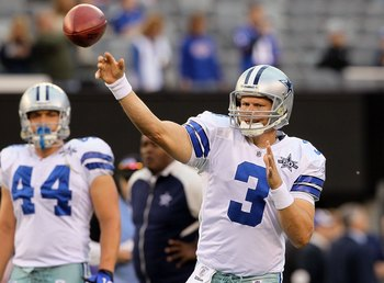 EAST RUTHERFORD, NJ - NOVEMBER 14:  Jon Kitna #3 of the Dallas Cowboys warms up prior to playing against the New York Giants on November 14, 2010 at the New Meadowlands Stadium in East Rutherford, New Jersey.  (Photo by Jim McIsaac/Getty Images)