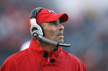 CINCINNATI - DECEMBER 28:  Head coach Herm Edwards of the Kansas City Chiefs reacts to the action from the sidelines during the NFL game against the Cincinnati Bengals on December 28, 2008 at Paul Brown Stadium in Cincinnati, Ohio.  (Photo by Andy Lyons/G