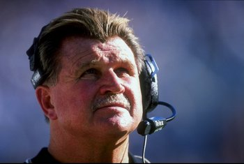 1 Nov 1998:  Coach Mike Ditka of the New Orleans Saints looking on during the game against the Carolina Panthers at the Ericsson Stadium in Charlotte, North Carolina. The Panthers defeated the Saints 31-17. Mandatory Credit: Vincent Laforet  /Allsport
