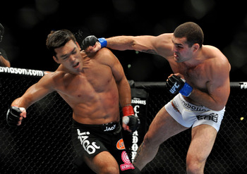 LOS ANGELES, CA - OCTOBER 24:  UFC Light Heavyweight Champion Lyoto Machida (R) battles with UFC Light Heavyweight challenger Mauricio Rua (L) during their title fight at UFC 104 at Staples Center on October 24, 2009 in Los Angeles, California.  (Photo by
