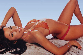 Eva_longoria_red_bikini_super_set_01_display_image_display_image