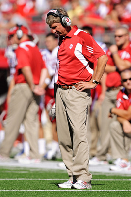 Wisconsin's blowout win in Bloomington could cost Bill Lynch his job