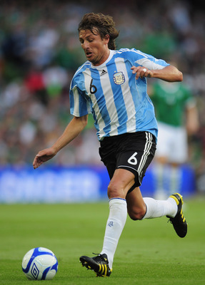 DUBLIN, IRELAND - AUGUST 11:  Gabriel Heinze of Argentina in action during the International Friendly match between Republic of Ireland and Argentina at the Aviva Stadium on August 11, 2010 in Dublin, Ireland.  (Photo by Shaun Botterill/Getty Images)