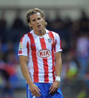 MADRID, SPAIN - SEPTEMBER 26:  Diego Forlan of Atletico Madrid during the La Liga match between Atletico Madrid and Real Zaragoza at the Vicente Calderon stadium on September 26, 2010 in Madrid, Spain.  (Photo by Denis Doyle/Getty Images)