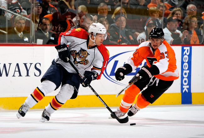 PHILADELPHIA - NOVEMBER 13:  David Booth #10 of the Florida Panthers skates with the puck in a game against the Philadelphia Flyers on November 13, 2010 in Philadelphia, Pennsylvania.  (Photo by Lou Capozzola/Getty Images)