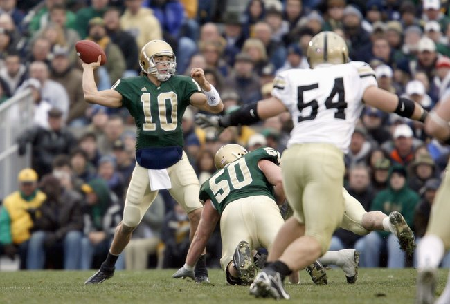 SOUTH BEND, IN - NOVEMBER 18:  Brady Quinn #10 of the Notre Dame Fighting Irish passes the ball during the game against the Army Black Knights at Notre Dame Stadium on November 18, 2006 in South Bend, Indiana. The Fighting Irish beat the Black Knights 41-