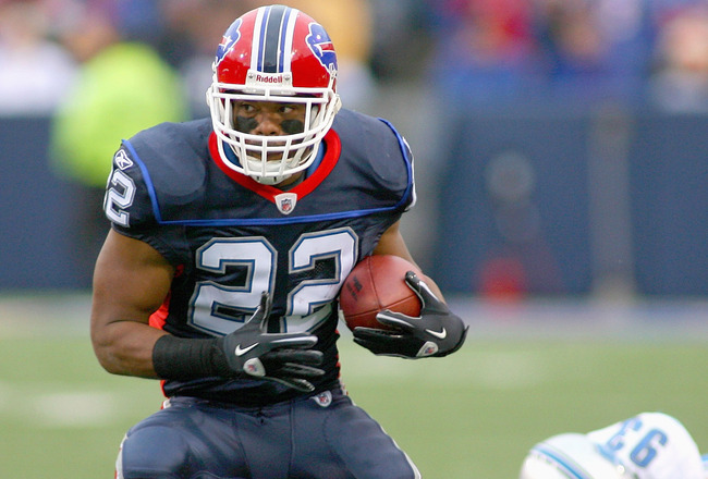ORCHARD PARK, NY - NOVEMBER 14:  Fred Jackson #22 of the Buffalo Bills runs against the Detroit Lions at Ralph Wilson Stadium on November 14, 2010 in Orchard Park, New York.  (Photo by Rick Stewart/Getty Images)