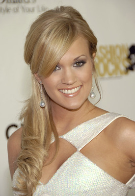 Smile-carrieunderwood_display_image