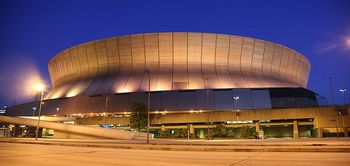 800px-superdome_night_display_image