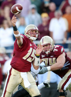 CHESTNUT HILL, MA - SEPTEMBER 26:  Dave Shinskie #15 of the Boston College Eagles passes the ball in overtime as teammate Anthony Castonzo #74 blocks against the Wake Forest Demon Deacons on September 26, 2009 at Alumni Stadium in Chestnut Hill, Massachus