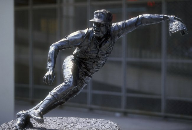 12 Jul 1998: General view of a statue of Bob Gibson outside of Busch Stadium during the game between the St. Louis Cardinals and the Houston Astros in St. Louis, Missouri. The Cardinals defeated the Astros 6-4.