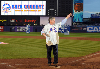 NEW YORK - SEPTEMBER 28:  Former Met Tom Seaver thanks fans from the field in a post game ceremony after the last regular season baseball game ever played in Shea Stadium against the Florida Marlins on September 28, 2008 in the Flushing neighborhood of th