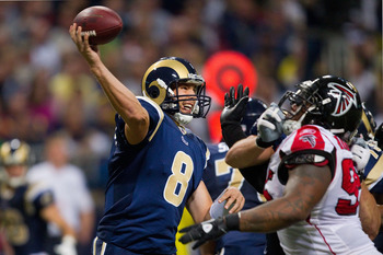 ST. LOUIS - NOVEMBER 21: Sam Bradford #8 of the St. Louis Rams passes against the Atlanta Falcons at the Edward Jones Dome on November 21, 2010 in St. Louis, Missouri.  The Falcons beat the Rams 34-17.  (Photo by Dilip Vishwanat/Getty Images)