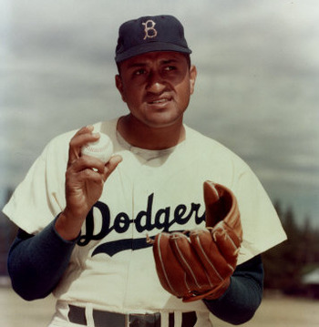 Don_newcombe_ball_in_hand_photofile_original_display_image
