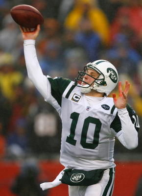 FOXBORO, MA - DECEMBER 16:  Chad Pennington #10 of the New York Jets throws a pass against the New England Patriots at Gillette Stadium on December 16, 2007 in Foxboro, Massachusetts. The Patriots won 20-10. (Photo by Jim Rogash/Getty Images)