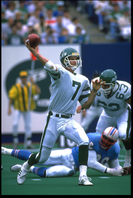 18 SEP 1988:  KEN O''BRIEN #7, QUARTERBACK OF THE NEW YORK JETS, FIRES A PASS DURING THEIR 45-3 ROMP OVER THE HOUSTON OILERS AT GIANTS STADIUM IN EAST RUTHERFORD, NEW JERSEY.  MANDATORY CREDIT:  RICK STEWART/ALLSPORT