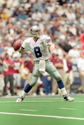 22 Oct 2000:  Troy Aikman #8 of the Dallas Cowboys drops back to pass the ball during the game against the Arizona Cardinals at the Texas Stadium in Irving, Texas. The Cowboys defeated the Cardinals 48-7.Mandatory Credit: Ronald Martinez  /Allsport