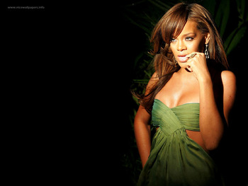 Rihanna_004_display_image