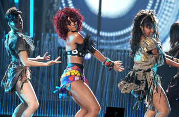 Amas-rihanna-3_display_image