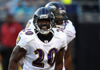Ravens safety Ed Reed (front), Ray Lewis (back)