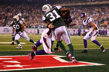 EAST RUTHERFORD, NJ - OCTOBER 11:  Antonio Cromartie #31 of the New York Jets makes a play on the ball in the endzone was ruled not an interception against the Minnesota Vikings at New Meadowlands Stadium on October 11, 2010 in East Rutherford, New Jersey