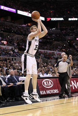 SAN ANTONIO - MAY 09:  Center Matt Bonner #15 of the San Antonio Spurs in Game Four of the Western Conference Semifinals during the 2010 NBA Playoffs at AT&T Center on May 9, 2010 in San Antonio, Texas. NOTE TO USER: User expressly acknowledges and agrees