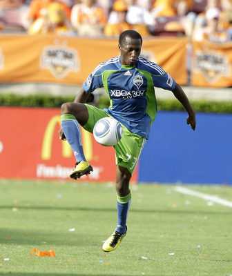 HOUSTON - OCTOBER 23:  Sanna Nyassi #23 of the Seattle Sounders controls the ball against the Houston Dynamo at Robertson Stadium  on October 23, 2010 in Houston, Texas.  (Photo by Bob Levey/Getty Images)