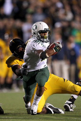 BERKELEY, CA - NOVEMBER 13:  LaMichael James #21 of the Oregon Ducks in action during their game against the California Golden Bears  at California Memorial Stadium on November 13, 2010 in Berkeley, California.  (Photo by Ezra Shaw/Getty Images)