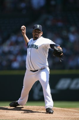 SEATTLE - JULY 20:  Carlos Silva #52 of the Seattle Mariners pitches against the Cleveland Indians on July 20, 2008 at Safeco Field in Seattle, Washington. The Indians defeated the Mariners 6-2. (Photo by Otto Greule Jr/Getty Images)