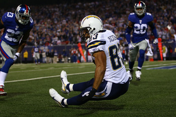 EAST RUTHERFORD, NJ - NOVEMBER 08: Vincent Jackson #83 of the San Diego Chargers makes the winning touchdown catch against  the New York Giants on November 8, 2009 at Giants Stadium in East Rutherford, New Jersey.  (Photo by Chris McGrath/Getty Images)