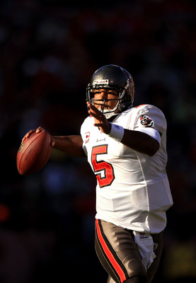 SAN FRANCISCO - NOVEMBER 21:  Josh Freeman #5 of the Tampa Bay Buccaneers looks to pass the ball against the San Francisco 49ers at Candlestick Park on November 21, 2010 in San Francisco, California.  (Photo by Ezra Shaw/Getty Images)