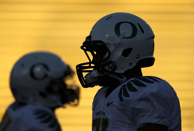 BERKELEY, CA - NOVEMBER 13:  LaMichael James #21 of the Oregon Ducks warms up on the field before their game against the California Golden Bears  at California Memorial Stadium on November 13, 2010 in Berkeley, California.  (Photo by Ezra Shaw/Getty Image