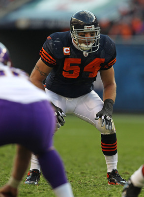 CHICAGO - NOVEMBER 14: Brian Urlacher #54 of the Chicago Bears awaits the start of play against the Minnesota Vikings at Soldier Field on November 14, 2010 in Chicago, Illinois. The Bears defeated the Vikings 27-13. (Photo by Jonathan Daniel/Getty Images)