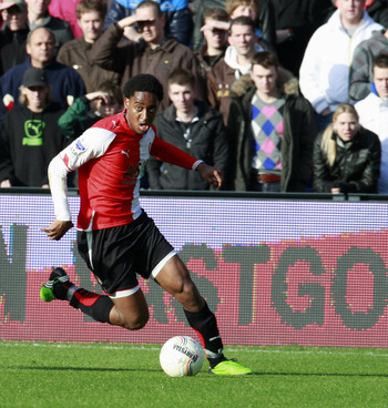 ROTTERDAM, NETHERLANDS - NOVEMBER 22:  Leroy Fer of Feyenoord during the Eredivisie match between Feyenoord and FC Utrecht held on November 22, 2009 at the Feijenoord 'De Kuip' Stadion, in Rotterdam, Netherlands. The match ended in a 0-0 draw. (Photo by A