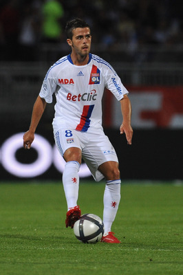 LYON, FRANCE - AUGUST 07:  Miralem Pjanic of Olympique Lyonnais in action during the Ligue 1 match between Olympique Lyonnais and AS Monaco FC at Gerland Stadium on August 7, 2010 in Lyon, France.  (Photo by Valerio Pennicino/Getty Images)