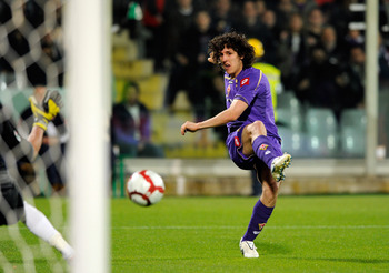 FLORENCE, ITALY - APRIL 10:  Stevan Jovetic of ACF Fiorentina during the Serie A match between ACF Fiorentina and FC Internazionale Milano at Stadio Artemio Franchi on April 10, 2010 in Florence, Italy.  (Photo by Claudio Villa/Getty Images)