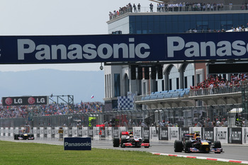 ISTANBUL, TURKEY - MAY 30:  Cars race down the grandstand straight during the Turkish Formula One Grand Prix at Istanbul Park on May 30, 2010, in Istanbul, Turkey.  (Photo by Ker Robertson/Getty Images)